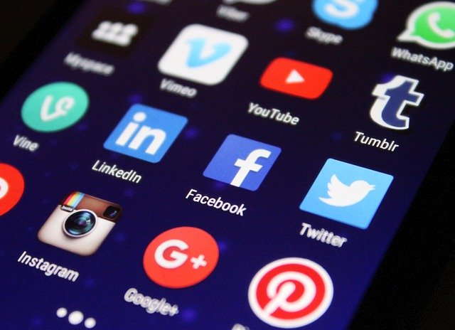 Las redes sociales para la participación política y ciudadana de estudiantes de Comunicación Social de la UCAB