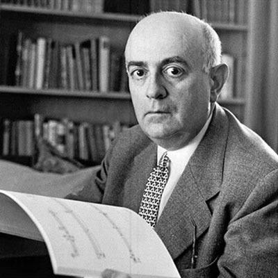 Sobre la nube te veas Theodor Adorno, cincuenta años después