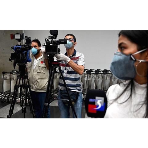 La pandemia debilita las libertades de expresión y prensa en América